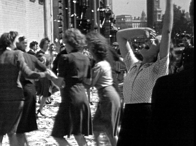 ve-day-celebrations-london-1945-large