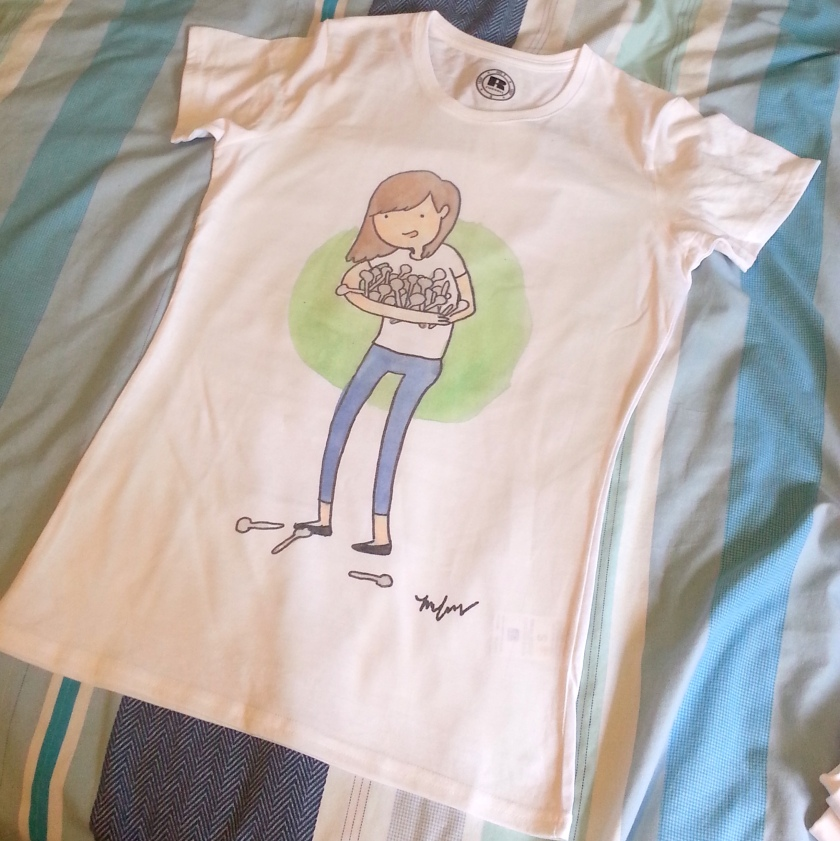 t shirt girl with spoons